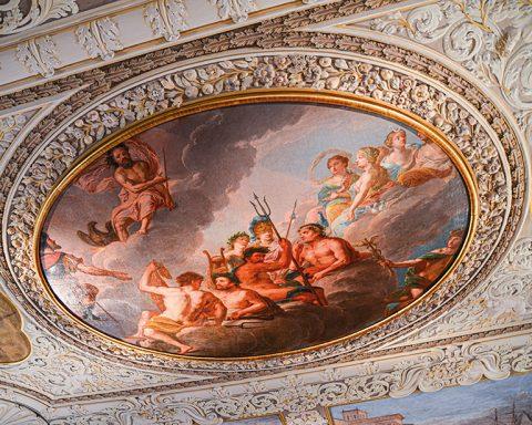 """Fürstbischöfliches Appartement: Deckengemälde aus dem Speisesaal des Fürstbischöflichen Appartements: """"Aufnahme des Aeneas in den Olymp"""" von Sebastian Reinhardt (1704/1705)"""